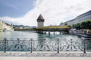 This classic beauty connects Lucern's old and new town: the Kappelbrücke.