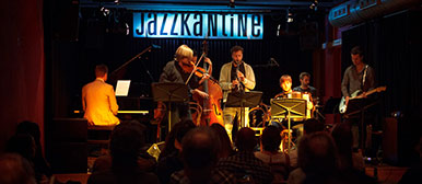 Students on stage at the Jazzkantine Luzern.